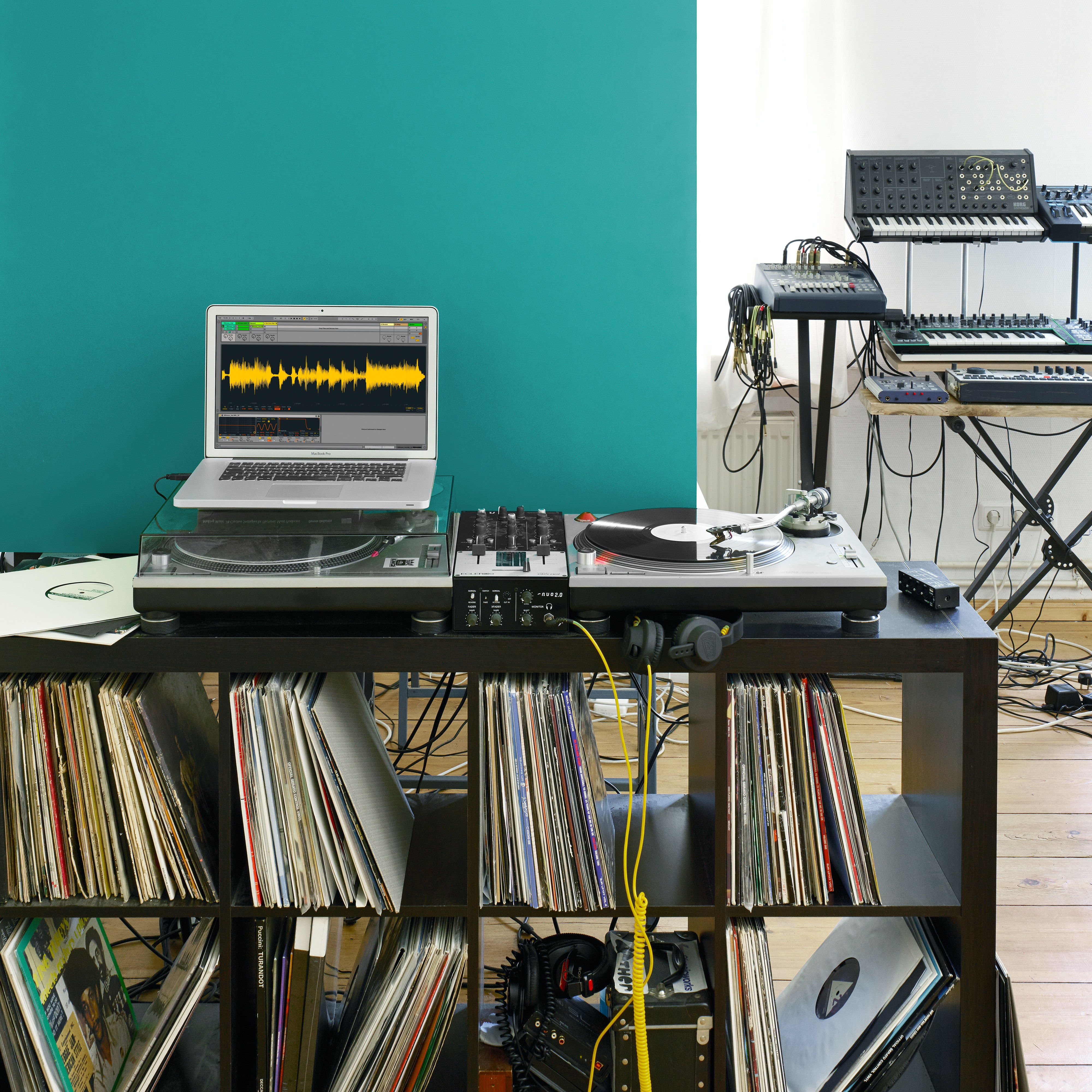 Ableton live 9.0.2 x32 30 gbs of live packs pattch delta s