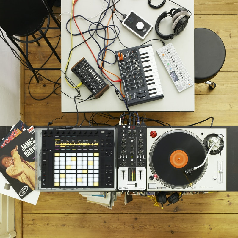 sample music with ableton push ableton. Black Bedroom Furniture Sets. Home Design Ideas